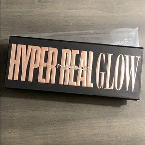 BNIB M•A•C Hyper Real Glow Palette